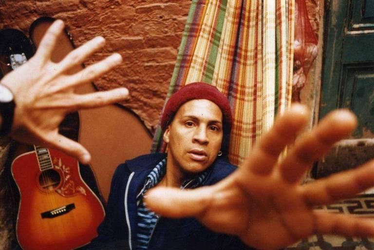El militante afrodescendiente José Delfín Acosta Martínez, víctima de violencia policial en 1996