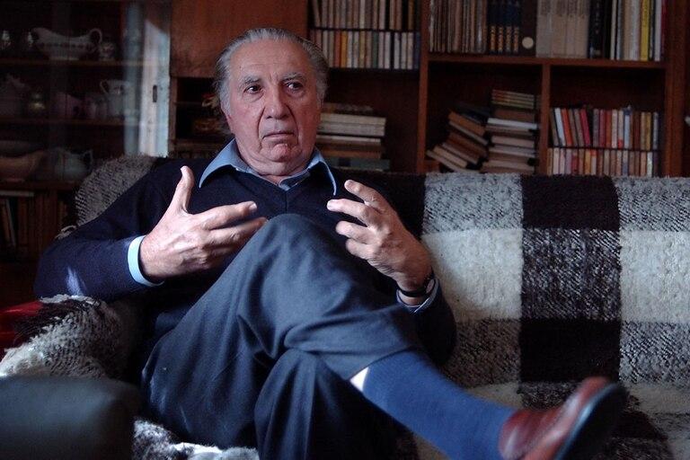 Rodolfo Alonso publicó más de treinta libros de poesía y ensayo