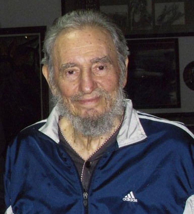 Arenoso resistencia Unión  Después de años de usar Adidas, Fidel Castro se mostró con una prenda marca  Puma - LA NACION