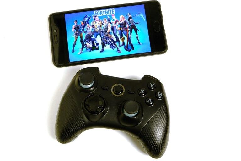 La actualización de Android 11 genera problemas de uso en los controles de videojuegos  Bluetooth, y la falla alcanza a los dispositivos de PlayStation, Xbox e incluso a Stadia, el propio servicio de streaming de videojuegos de Google