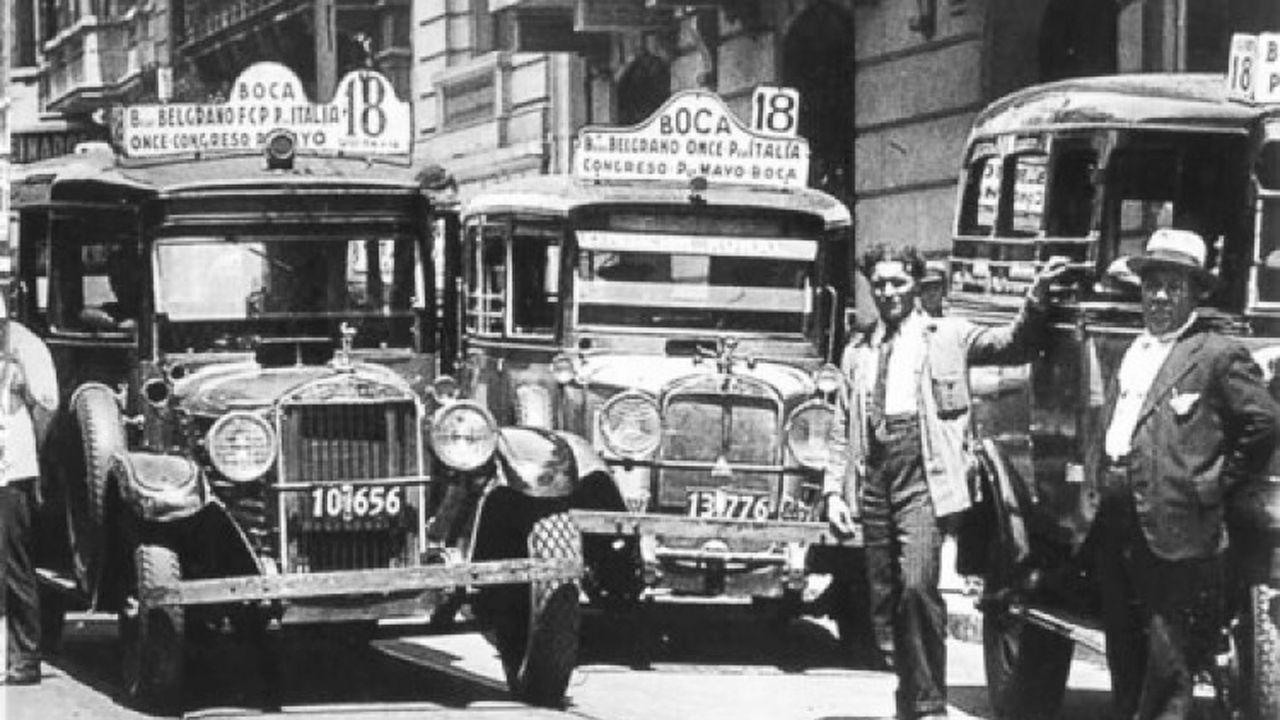 La historia de los taxistas que dieron origen a los primeros colectivos argentinos - LA NACION